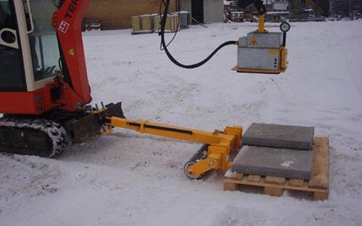 Let transport på byggepladsen med en pallevogn