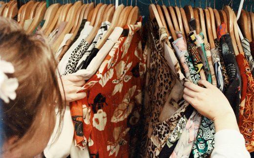 Køb dit tøj på nettet og gør hverdagen meget nemmere for dig selv